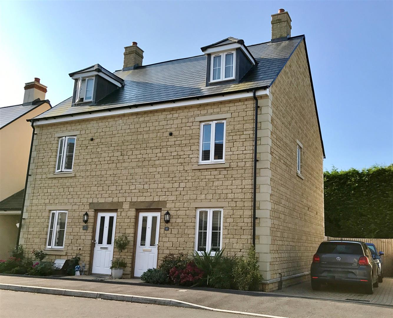 3 Bedrooms Semi Detached House for sale in Station Road, Calne